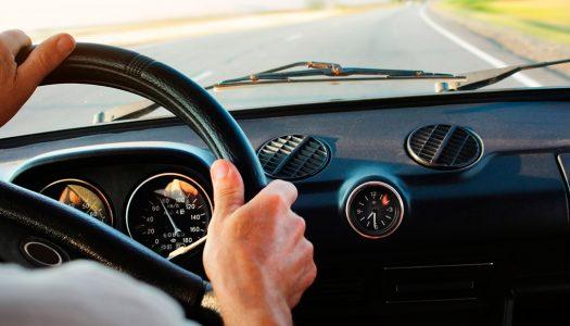 Vibração no volante: conheça as causas e saiba como evitar