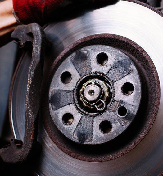 Freio do carro: saiba mais sobre o funcionamento desse item