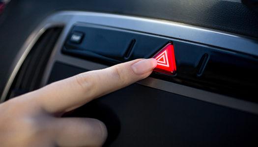 Pisca-alerta do carro: quando e para que usar?