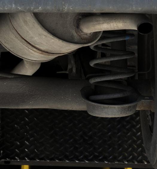 Passo a passo para troca do conjunto do amortecedor dianteiro do Corolla GLi