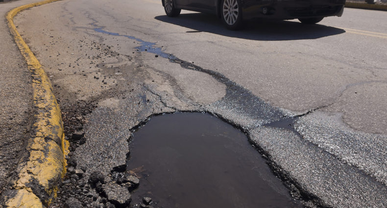 Dicas para evitar danos provocados por vias esburacadas